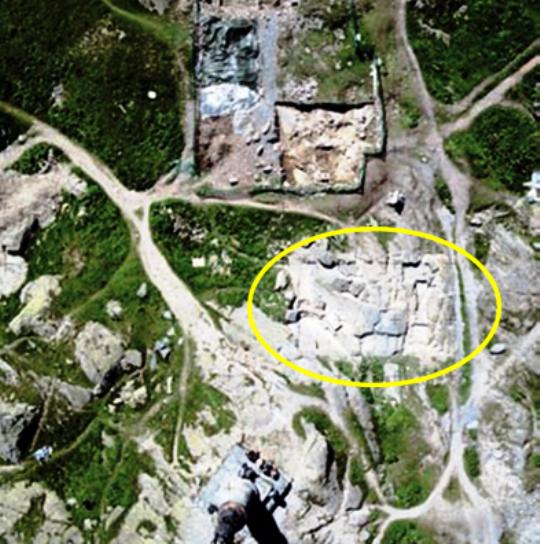 Nel cerchio evidenziato l'ingombro del tempio di Giove Pennino (S. Bertarione)