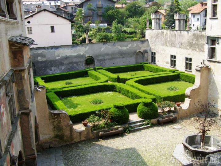 il giardino all'italiana del castello di issogne (www ... - Piccolo Giardino Allitaliana
