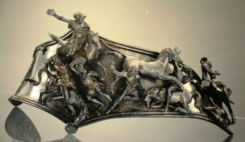 Il balteo bronzeo di Aosta esposto al MAR (foto: Monjoie)