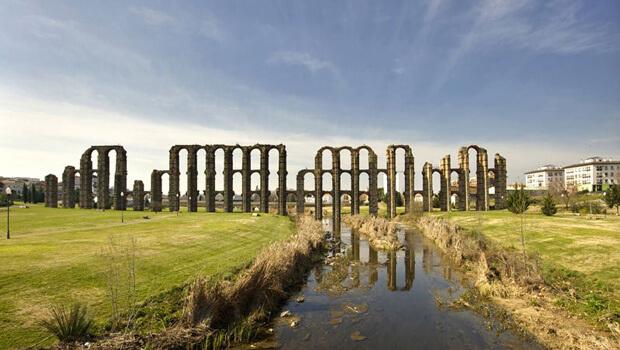 """L'acquedotto """"Los Milagros"""" (da www.repelando.com)"""