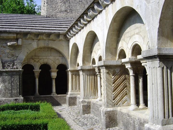 Vaison cattedrale - chiostro2