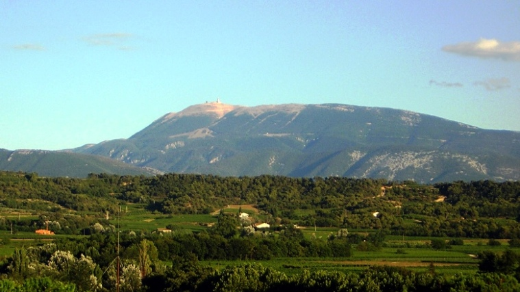 Vaison_Mont_ventoux_from_mirabel