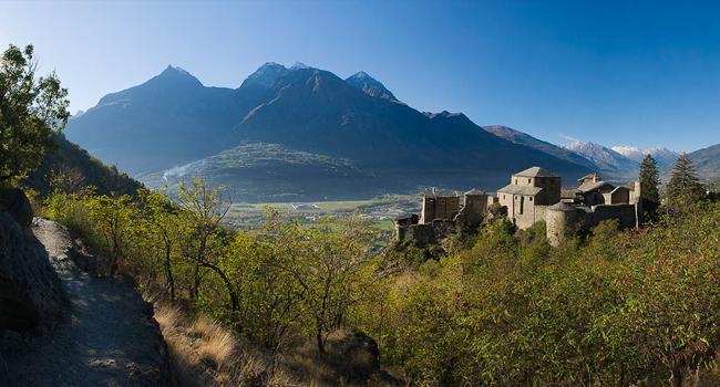 Il Castello di Quart visto da nord-est. Foto tratta dal sito www.quartdelune.it (Venturini)