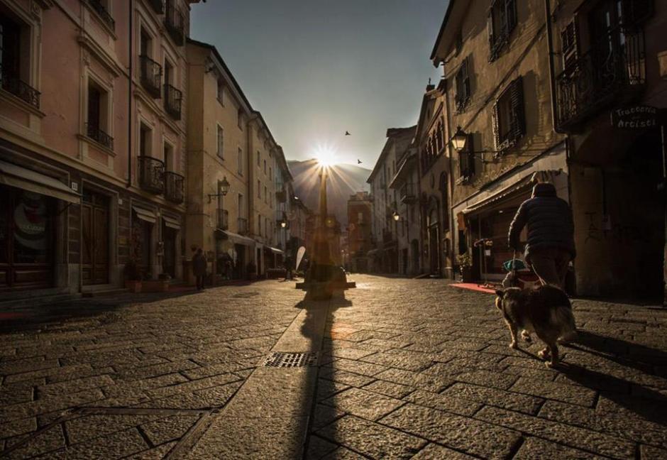 Aosta-Il sorgere del sole in asse col Cardo Maximus il 21 dicembre (Foto: Enrico Romanzi)