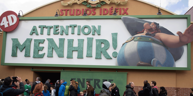 Parc-Asterix-le-JDD-a-teste-la-nouvelle-attraction-Attention-Menhir