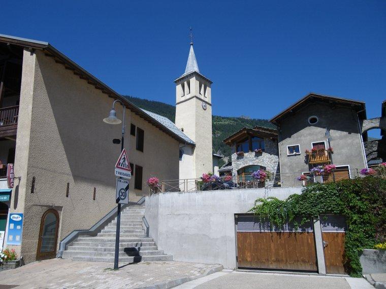 La chiesa di Saint Pierre a Seez (da Panoramio)