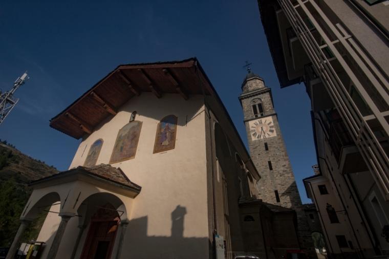 Cogne-la facciata della chiesa parrocchiale di Sant'Orso
