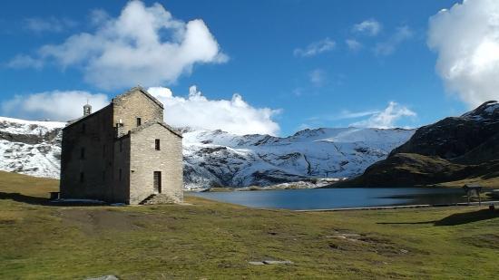 Santuario al lago Misérin