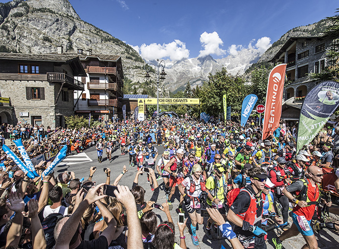 Tor_Geants_18_Day1_Courmayeur_start_ph-Stefano-Jeantet_LD-23