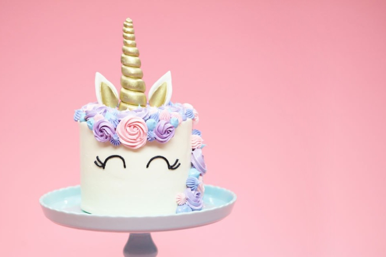 Unicorn cake (nerdy nummies)