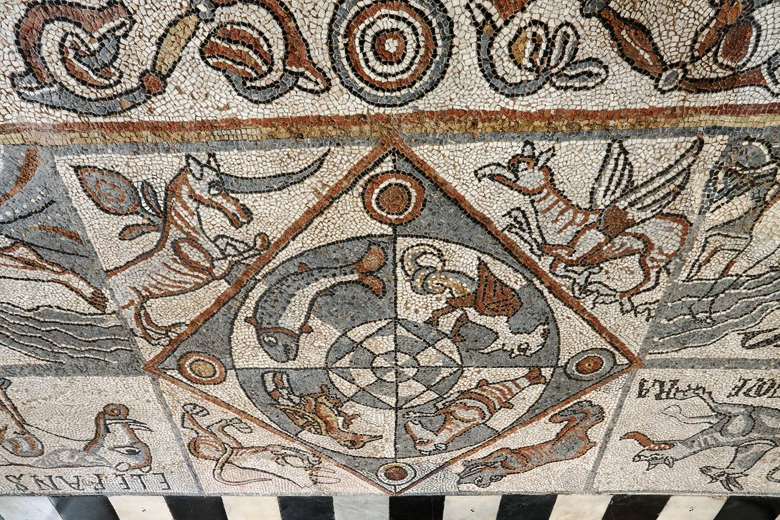 VALLE D'AOSTA-Mosaici Cattedrale Aosta (foto Enrico Romanzi)