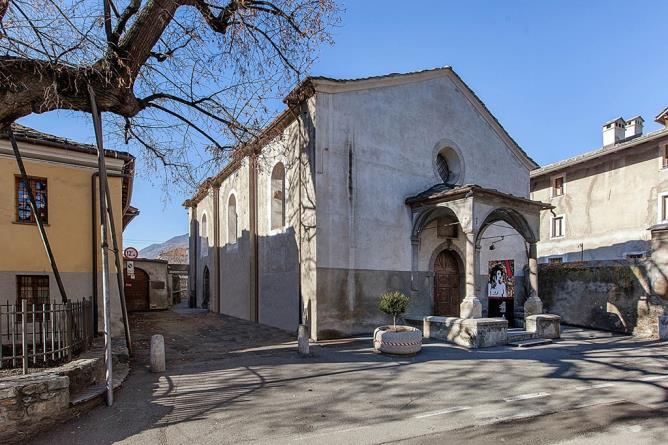 La chiesa sconsacrata di S. Lorenzo, oggi sede espositiva (regione.vda.it)